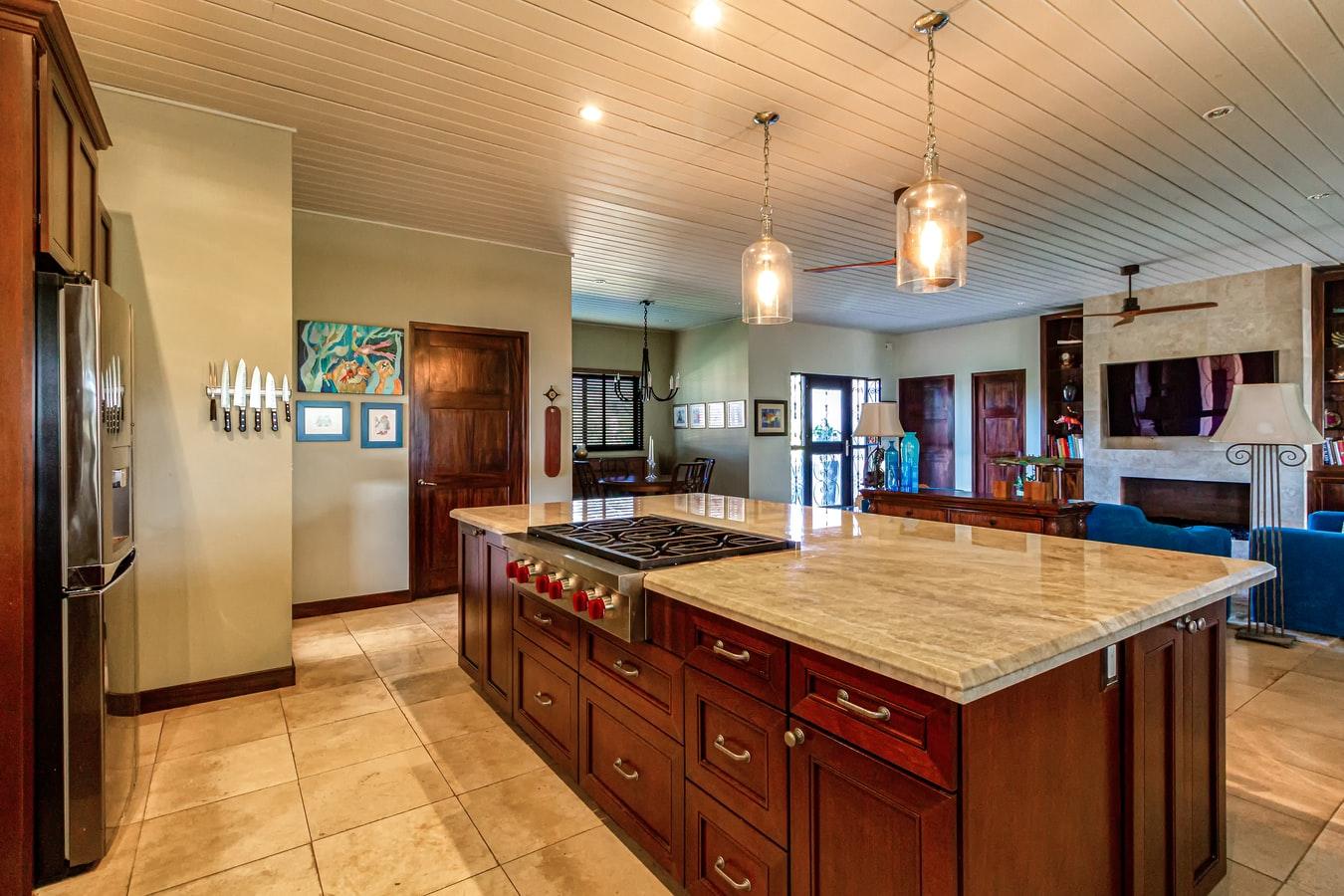 charmante houten keuken